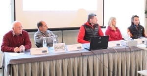 Am Rednertisch saßen von links: Georg Simeoni, Wilhelm Klotz, Reinhard Graf, Angelika Rainer und Loris Manzana.